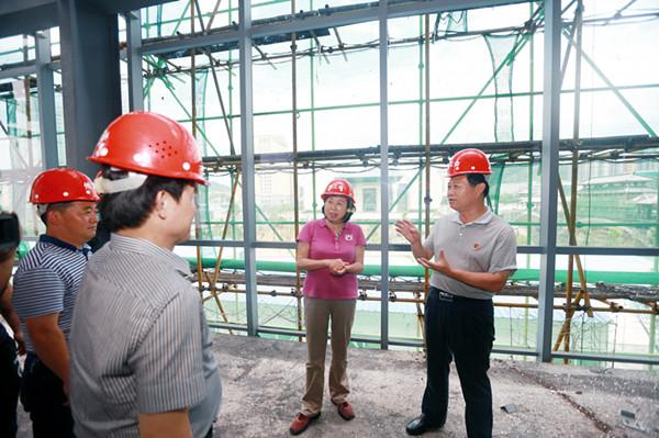 刘莲玉调研州民族工人文化宫迁建项目
