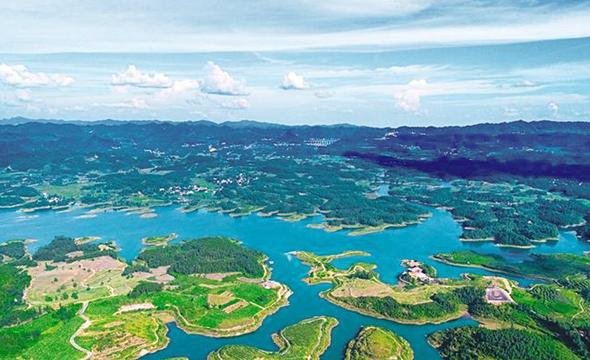 山清水秀紫霞湖