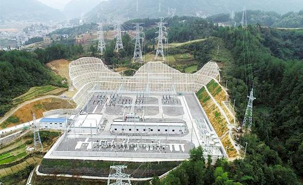 黔张常铁路龙山牵引站220千伏输变电工程正式竣工投运