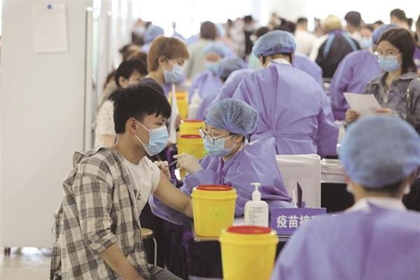 湘西州首个大型方舱疫苗接种点正式启用